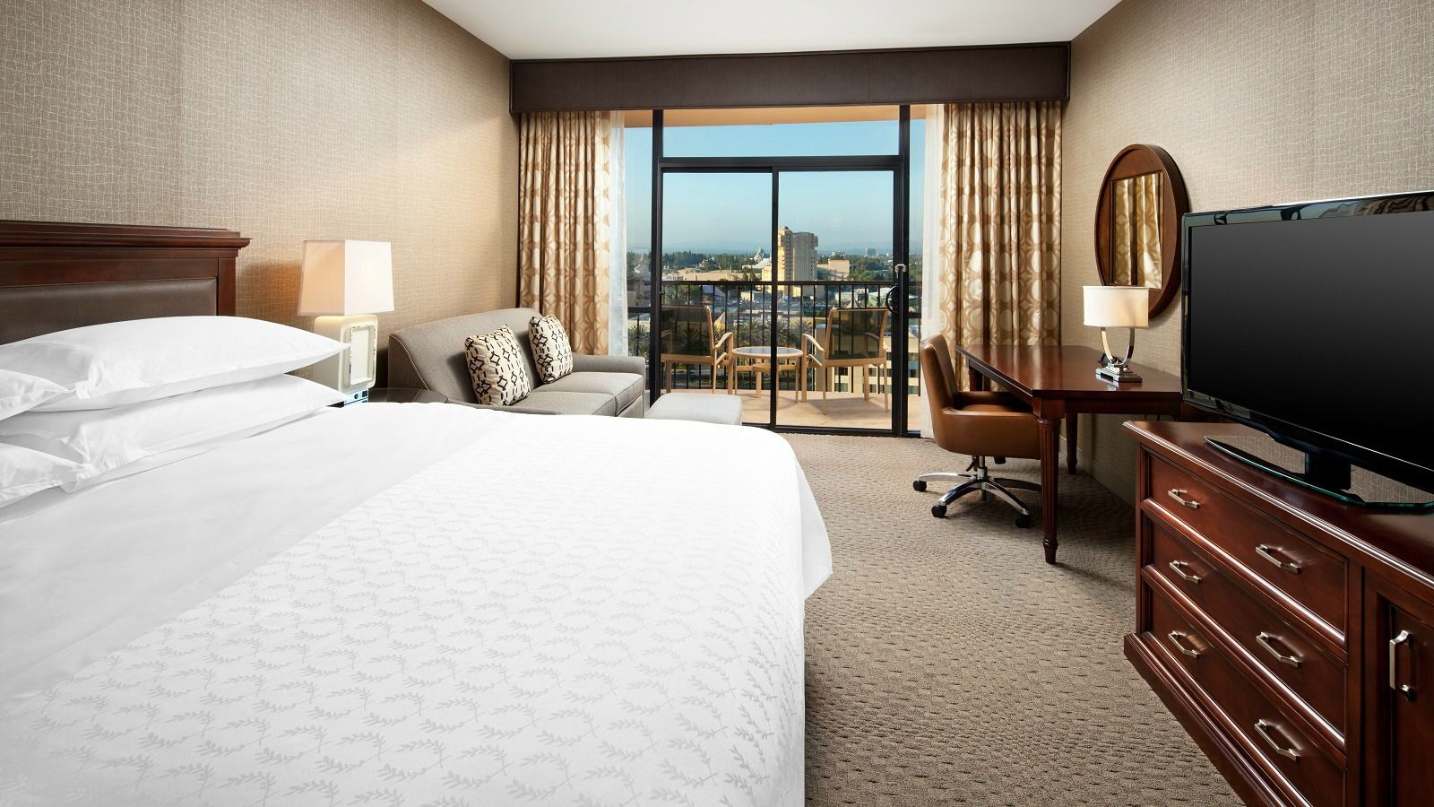 hotel-rooms-near-disneyland