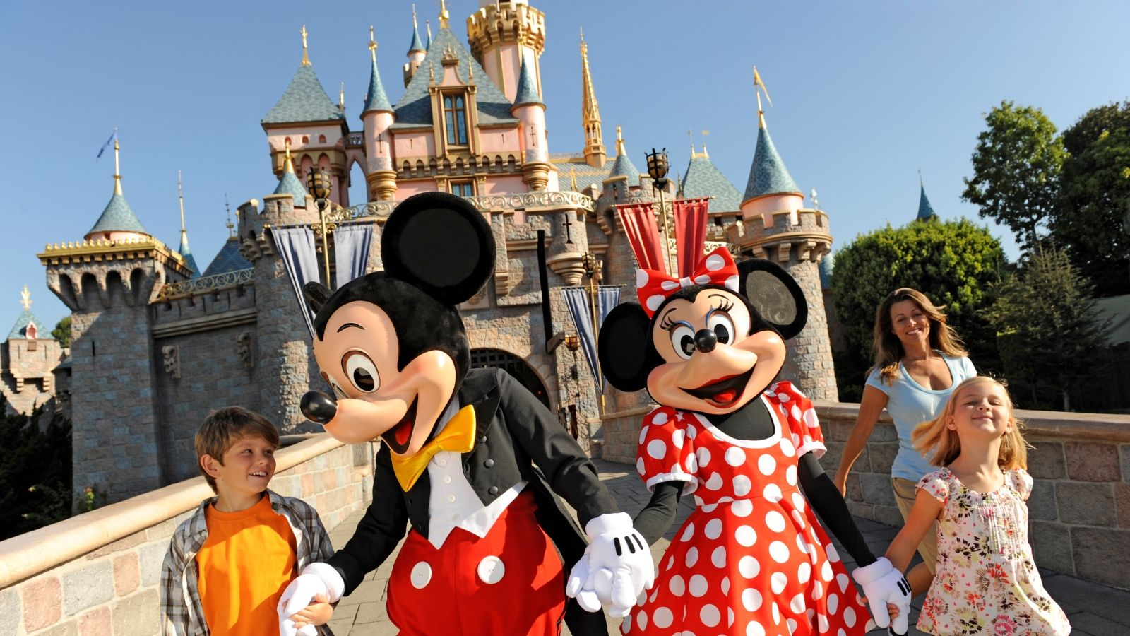 Disney Passholder Special Offer - Sheraton Park Hotel at the Anaheim Resort